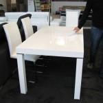Stůl Moreno