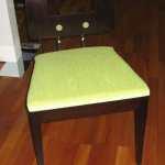 židle masivní s potahem